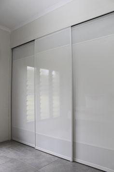 White Troppo Sliding Doors with White Mesh