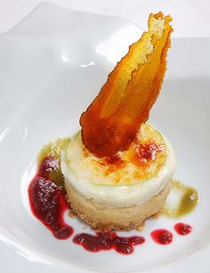 Micuit de pato , queso de cabra madurado de Radiquero y manzana beso de Vino