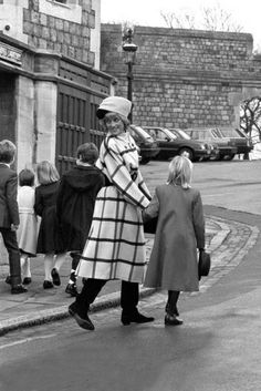 1987-12-25 Diana leaves St George's Chapel with the Royal Children to return to Windsor Castle after Christmas Day Service