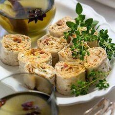 Smörgåstårta till far - Hemmets Journal Gourmet Appetizers, Appetizer Recipes, Tapas Recipes, Baby Food Recipes, Recipies, Swedish Cuisine, Good Food, Yummy Food, Just Eat It