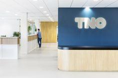 TNO Helmond – Automotive Campus by Hollandse Nieuwe - Office space Flat Screen, Space, Blood Plasma, Floor Space, Flatscreen, Dish Display, Spaces