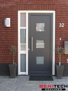 Voordeur Voordeur shih tzu puppies for sale - Dogs House Design, Door Design, House Front Door, Door Installation, Home Inc, House Front, House Styles, Diy Door, Doors