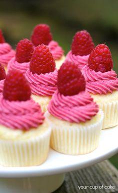 Easy Open House Recipe: Raspberry Lemonade Mini Cupcakes #ZipListed