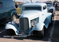 mooneyes-xmas-party-race-and-show-irwindale-2014-014