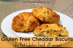 Gluten Free Cheddar Biscuits (like Red Lobster!) (Garlic Butter For Lobster) Red Lobster Biscuits, Cheddar Biscuits, Cheddar Cheese, Thm Recipes, Gluten Free Recipes, Baking Recipes, Red Lobster Gluten Free, Butter For Lobster, Trim Healthy Momma