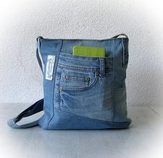 Recycled denim crossbody bag, light blue jeans messenger bag, patchwork shoulder bag, vegan denim purse, upcycled vintage jeans, jean bag