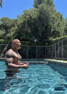The Rock Johnson in Pool The Rock Dwayne Johnson, Rock Johnson, Dwayne The Rock, Bodybuilder, Fitness Gym, Michael Ealy, Hollywood Actor, Hollywood Actresses, Pose