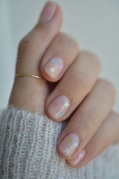 How to Do the Prettiest (Yet Subtle!) Nail Art at Home How to Do the Prettiest (Yet Subtle!) Nail Art at Home,Nageldesign – Nail Art – Nagellack – Nail Polish – Nailart – Nails. Short Nail Designs, Nail Art Designs, Nails Design, Natural Nail Designs, Natural Design, Clear Nails With Design, Gel Manicure Designs, Clear Nail Designs, Salon Design