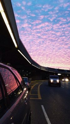 sky, car, and sunset image Pretty Sky, Beautiful Sky, Beautiful World, Adventure Is Out There, Belle Photo, Airplane View, Travel Photography, Photography Sky, Beauty Photography