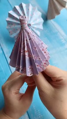 Diy Crafts Love, Diy Crafts Hacks, Paper Flowers Craft, Paper Crafts Origami, Diy Crafts For Gifts, Paper Crafts For Kids, Diy Arts And Crafts, Diy Paper, Decor Crafts