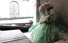 Via: http://www.buzzfeed.com/donnad/exquisitely-lavish-costumes-from-ventian-carnival