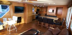 Five Star Houseboat Vacations - table rock AR