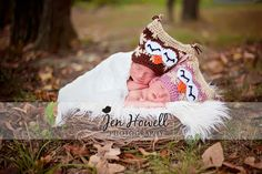 love this. but idk if i would have my newborn twins out in the cold of the fall to take a picture...kinda stupid lol