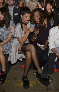 Rihanna-at-Fashion-Week-Spring-2014-in-NY-6