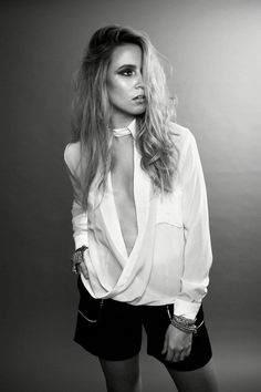 Dallas #fashionstyle #blonde #hair #fashionset #fashionleather #rockchick #fashioneditorial #veganleather #fringe #gustoandelan #christinasandrastyling #christinasandrra #fashionblogger #fashionblog #fashionphotoshoot #fashionphotography