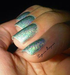 essence under the sea #holo #essence #nails