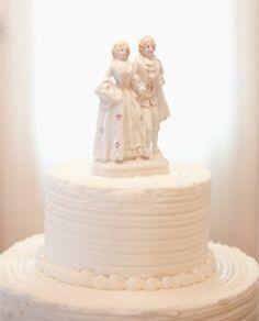 Topo de bolo vintage, em porcelana - Vintage porcelain cake topper - burnettsboards.com