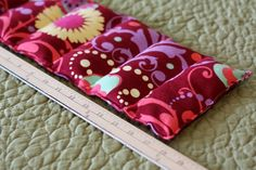 homemade rice heating pad- this is going to be a fun christmas gift to make.