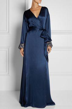 La Perla Maison Lace Trimmed Silk-Satin Robe via Net-A-Porter Pretty Lingerie, Vintage Lingerie, Beautiful Lingerie, Luxury Lingerie, Glamour, Grey Fashion, Pyjamas, Satin Dresses, Silk Satin