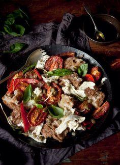 Panzanella Caprese Salad - What Katie Ate I Love Food, Good Food, Yummy Food, What Katie Ate, Salad Recipes, Healthy Recipes, Vegetarian Recipes, Homemade Pasta, Gastronomia
