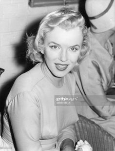Marilyn Monroe Collection - Marilyn Monroe in London Airport, Marilyn Monroe Fotos, Norma Jean Marilyn Monroe, Hollywood Actresses, Old Hollywood, Cinema Tv, Actrices Hollywood, Norma Jeane, Showgirls, Steve Mcqueen