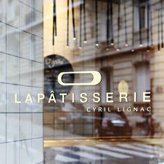 La Patisserie de Cyril Lignac - Paris 16 Patisserie Paris, Patisserie Design, Deco Restaurant, Restaurant Interiors, Healthy Cafe, Sidewalk Cafe, Copenhagen Style, Paris Shopping, Shop Layout