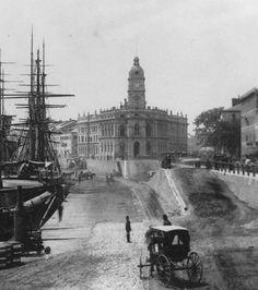 Old Montréal / Harbour near Custom House c. 1870