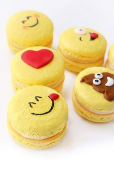 Emoji French Macarons - Emoji cake ideas and dessert inspiration for an Emoji Party. From birthday and graduation parties to school events, an emoji party theme is fun for all! LivingLocurto.com