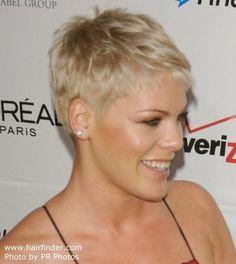 Mujeres de corte de pelo muy corto