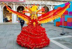 Venetian Costumes, Venice Carnival Costumes, Venice Carnivale, Costume Venitien, Outdoor Decor, Masks