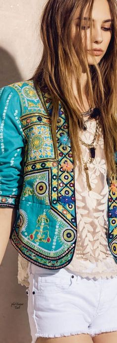 Turquoise And Green Ethnic Jacket >❄️< BoHo File >❄️< Hippy Or Gipsy, Make It YoUr Style: MoreLlena tu armario de la mejor moda al mejor precio en www. Bohemian Mode, Bohemian Style, Boho Chic, Ethnic Fashion, Look Fashion, Womens Fashion, Gypsy Style, Hippie Style, Boho Gypsy
