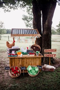 Farmer's Market Stand  Scout's 1st Birthday | Farmer's Market Party farmgirlblogs.com #farmersmarket #birthday