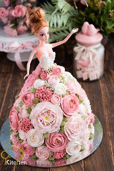Elegant Birthday Cakes, Pretty Birthday Cakes, Birthday Cakes For Women, Birthday Desserts, Doll Birthday Cake, Bithday Cake, Barbie Cake, Barbie Party, Creative Cake Decorating