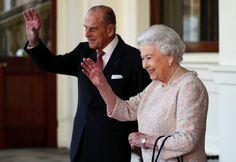 Queen Elizabeth II. mit ihrem Gatten Prinz Philip im Palast: Die Bauarbeiten...