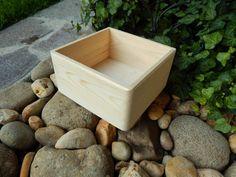 Box krabička čtverec masiv