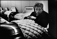 Photo © Dennis Stock/Magnum Photos USA. 1955. James DEAN, US actor.