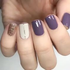 Discover the 10 most popular nail polish colors of all time! - My Nails Fancy Nails, Trendy Nails, Diy Nails, Cute Nails, Nail Art Designs Videos, Nail Art Videos, Fall Nail Designs, Bridal Nails Designs, Nail Design Video