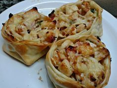 Discover recipes, home ideas, style inspiration and other ideas to try. Calzone, Snack Recipes, Dessert Recipes, Snacks, Bien Tasty, Pollo Recipe, Childrens Meals, Good Food, Yummy Food