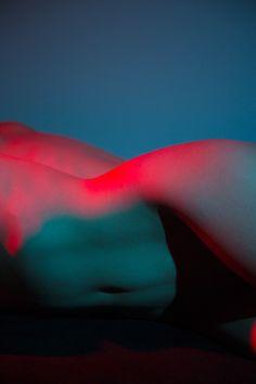 Sensual Exploration Of Colors And Curves – Fubiz Media