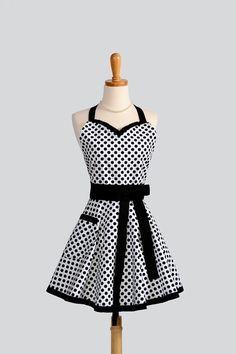 Womens Sweetheart Apron / Black and White by CreativeChics on Etsy, $38.00