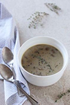 Creamy Mushroom and Roasted Garlic Soup