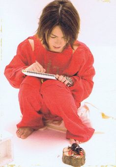 Hyde sketching a bug