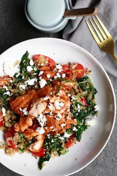 Spinach wok with baked salmon and cauliflower rice - Salad Recipes Salmon Recipes, Veggie Recipes, Cooking Recipes, Healthy Recipes, I Love Food, Good Food, Healty Dinner, Baked Salmon, Food Inspiration