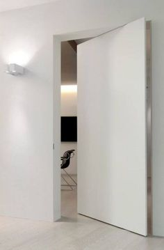 26 Modern Interior Doors Chicago L Invisible white pivoting frameless door Architecture Details, Interior Architecture, Interior And Exterior, Modern Interior Doors, Sliding Glass Door, Sliding Doors, Front Doors, Casa Kardashian, Invisible Doors