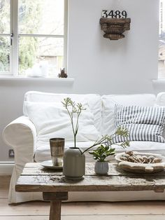 IKEA furniture and home accessories are practical, well designed and affordable. Here you can find your local IKEA website and more about the IKEA business idea. Ektorp Sofa, Country House Plans, Small House Plans, Furniture Plans, Rustic Furniture, Bohemian Furniture, Rustic Wooden Coffee Table, Boho Deco, Coffee Table Plans