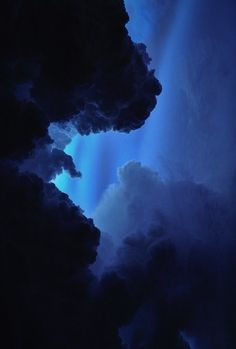 Image shared by Eszter Novák. Find images and videos about blue, aesthetic and nature on We Heart It - the app to get lost in what you love. Blue Aesthetic Dark, Rainbow Aesthetic, Aesthetic Colors, Aesthetic Pictures, How To Be Aesthetic, Blue Aesthetic Tumblr, Aesthetic Painting, Image Bleu, Photo Bleu