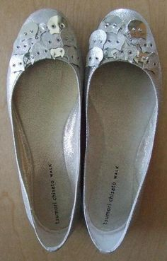 Silver cat shoes, Tsumori Chisato. I need these shoes.