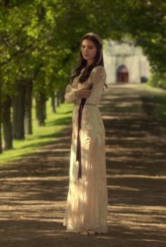 """Lady Kenna wearing a Temperley London Long Catroux Dres - """"Prince of the Blood"""" Season Episode 7 Reign Fashion, Fashion Tv, Kenna Reign, Reign Season 2, Lady Kenna, Film Manga, Marie Stuart, Caitlin Stasey, Reign Tv Show"""