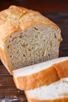 This is the best homemade bread recipe! The bread is soft and airy with a perfec… This is the best homemade bread recipe! The bread is soft and airy with a perfect buttery crust. It will turn out every time you make it. Try it today! Best Homemade Bread Recipe, Easy Bread Recipes, Cooking Recipes, Healthy Recipes, Keto Recipes, Hearty Bread Recipe, Zone Recipes, Homemade Sandwich, Homemade Syrup
