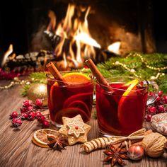 Čo by to boli za Vianoce bez vianočného punču a high fashion zásterky Christmas Punch, Christmas Time, Christmas Oranges, Vienna Christmas, Xmas, Christmas Drinks, Licor Baileys, Ponche Navideno, Illustration Noel